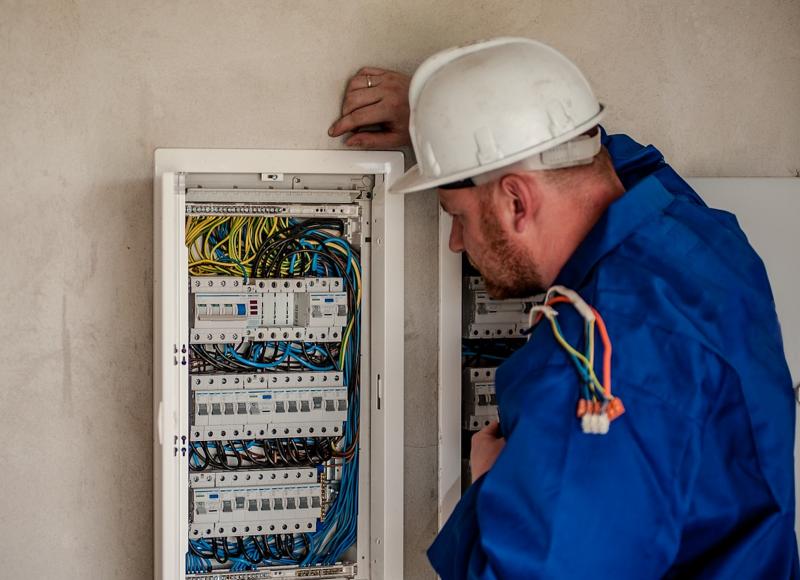 Manteniment instal·lacions elèctriques